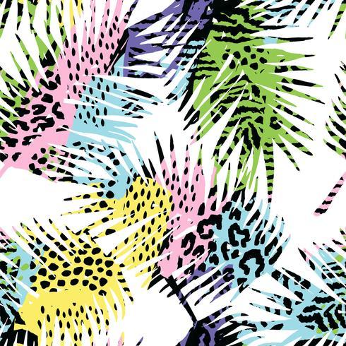 Trendy naadloos exotisch patroon met palm, dierlijke druk en hand getrokken texturen.