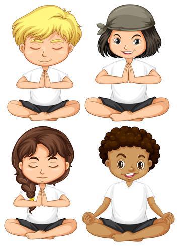 Conjunto de niños meditan