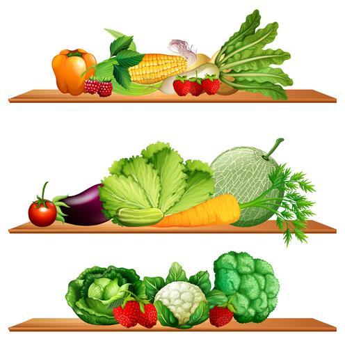 Fruits et légumes sur les étagères
