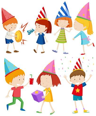 Kinder machen auf Party verschiedene Sachen