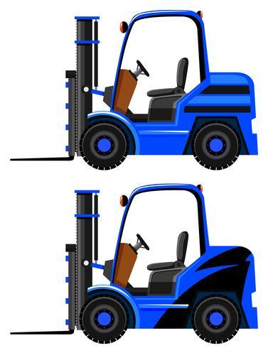 Deux modèles sur des chariots élévateurs bleus