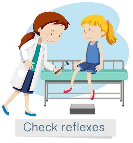 Ein Mädchen, das Reflexe mit Doktor überprüft