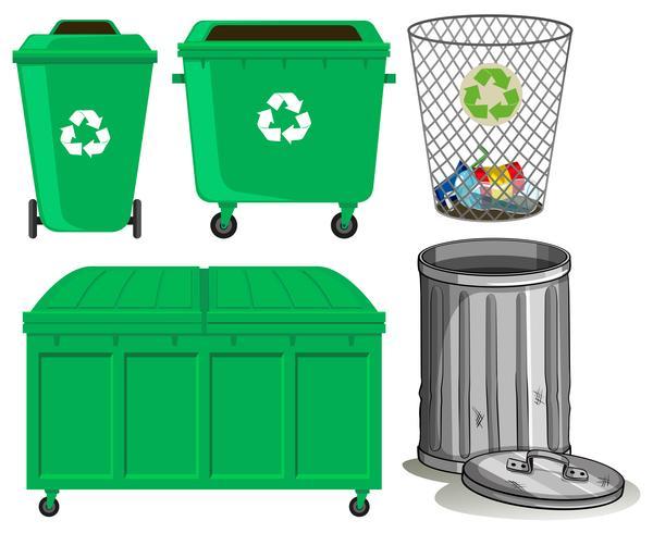 Papeleras verdes con signo de reciclaje