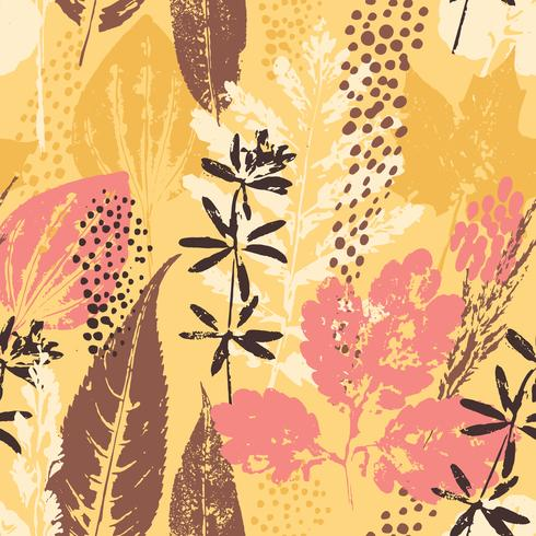 Abstract autumn seamless pattern with leaves. vector