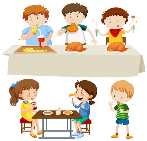 Um conjunto de crianças comendo