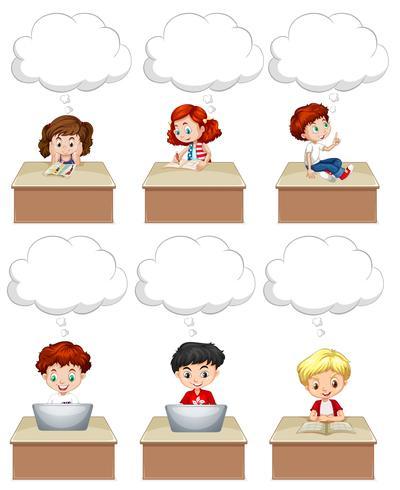 Eleverna arbetar på bordet