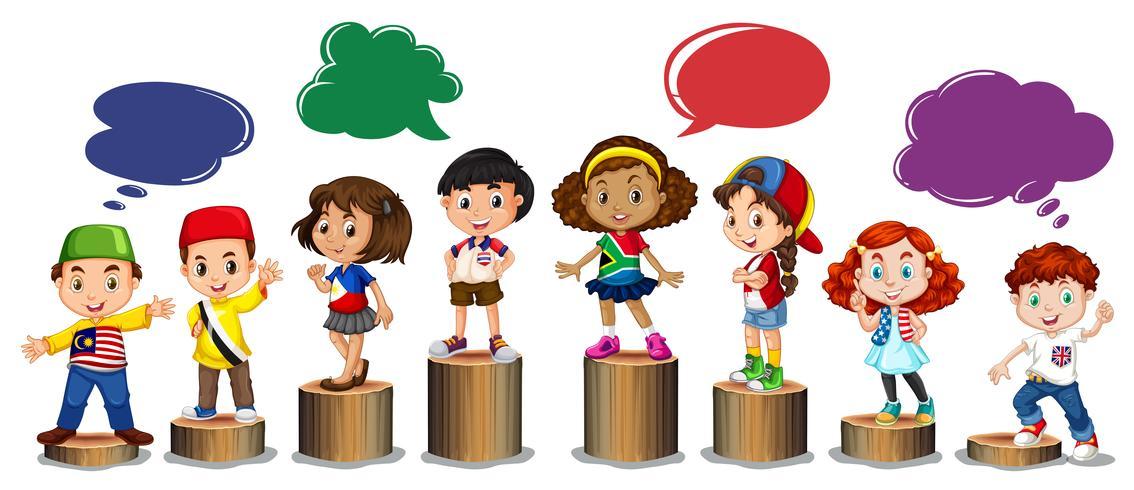 Internationale kinderen die zich op logboek bevinden