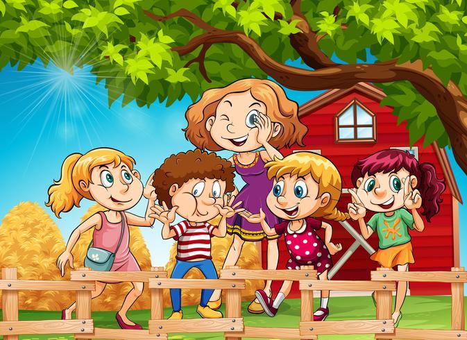 Muitas crianças no quintal
