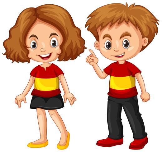 Jongen en meisje dragen shirt met vlag van Spanje