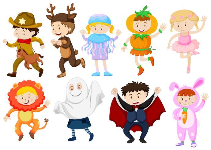 Kinder, die Kostüme für Halloween und Spiele tragen