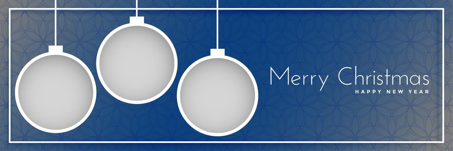 Frohe Weihnachten-Banner-Design mit hängenden Kugeln