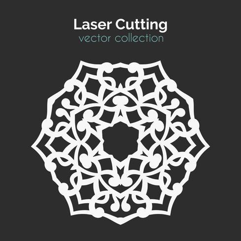 Modello di taglio laser. Carta rotonda Die Cut Mangala vettore