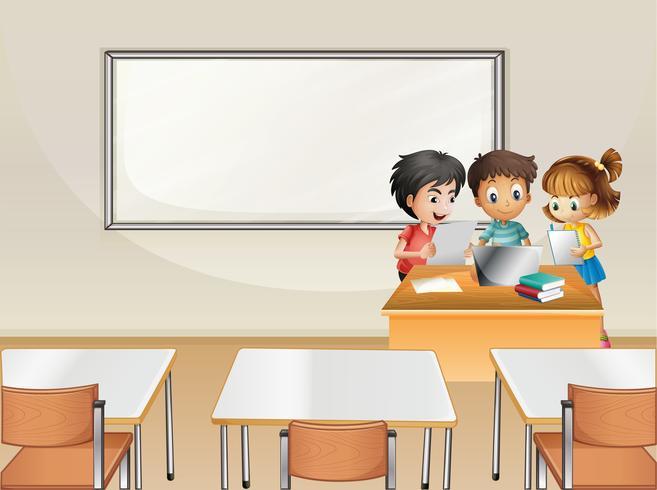 Studenten die in groep in klaslokaal werken