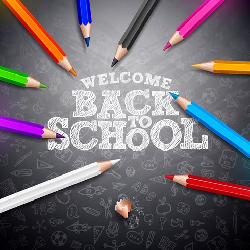 Retour à la conception de l'école avec lettrage de crayon coloré et typographie sur fond noir de tableau noir. Illustration d'école de vecteur avec des gribouillis dessinés à la main pour carte de voeux