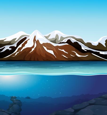 Hermoso paisaje de montaña de nieve