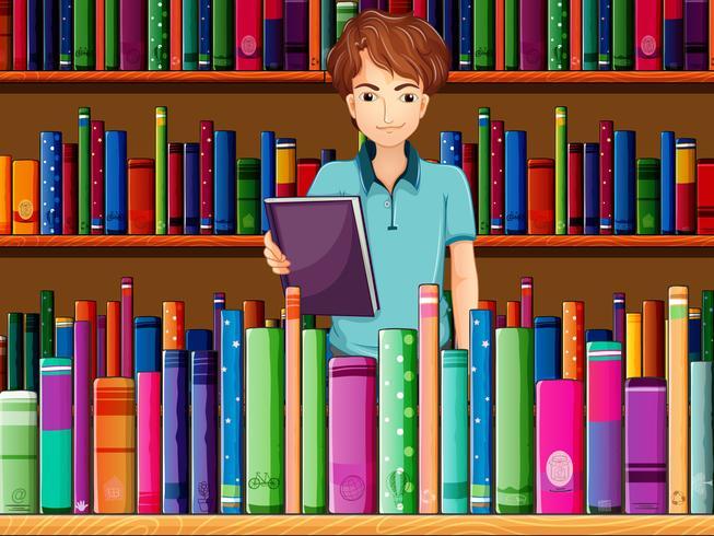 Un homme tenant un livre dans la bibliothèque