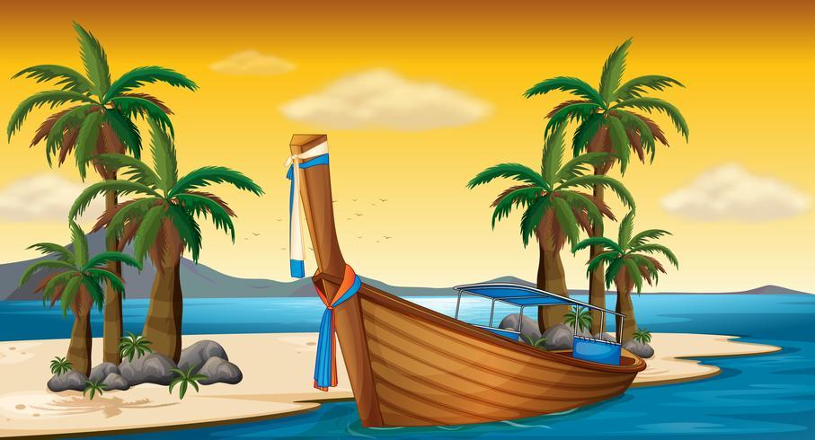 Träbåt på stranden