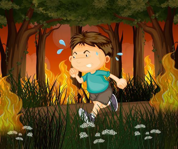 Een jongen loopt weg van bosbranden