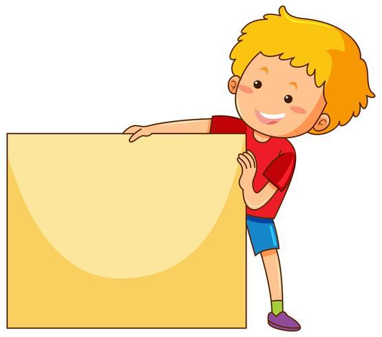 Niño feliz con papel en blanco