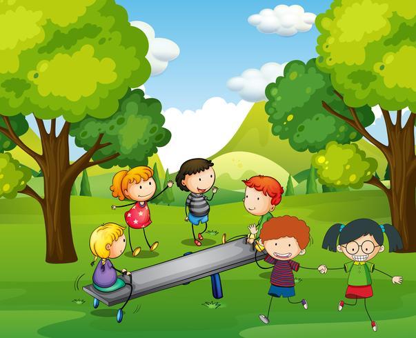 Niños felices jugando balancín en el parque