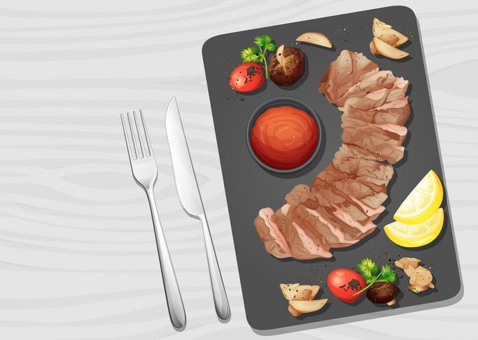 Una bistecca di manzo a tavola