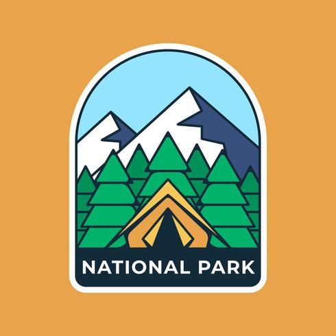 Plantilla de insignia de logotipo retro de camping de montaña
