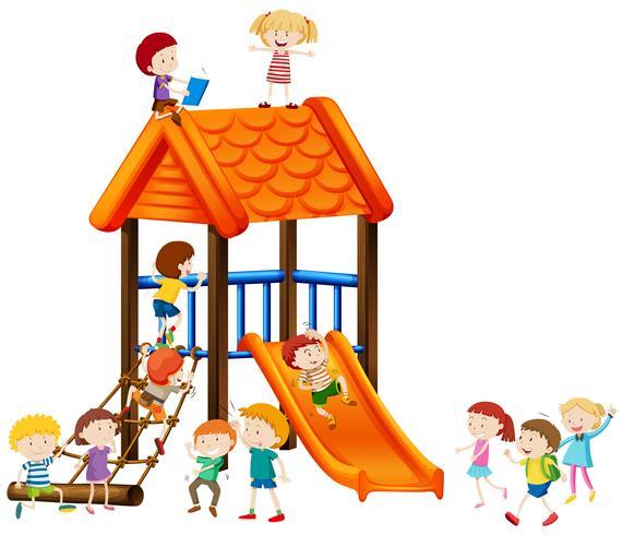 Niños jugando en la diapositiva