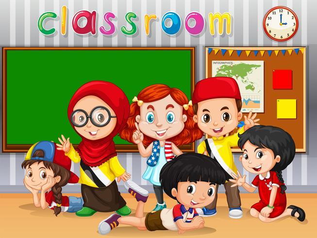 Viele Kinder lernen im Klassenzimmer