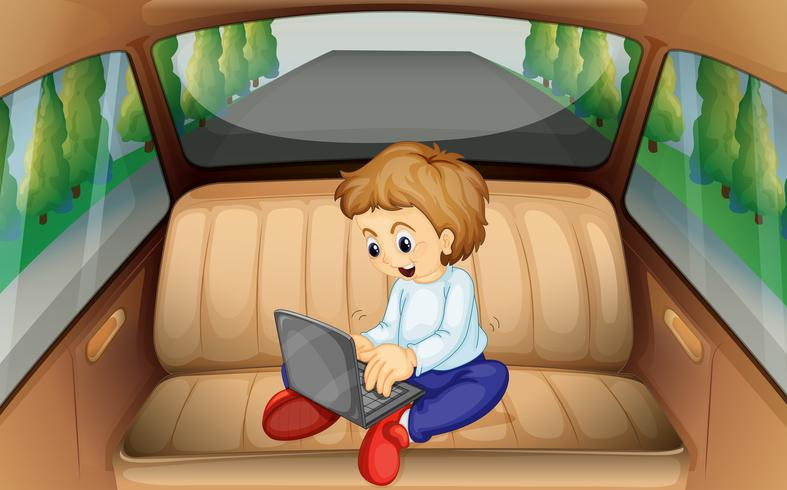 Niño pequeño, usar la computadora, en el coche