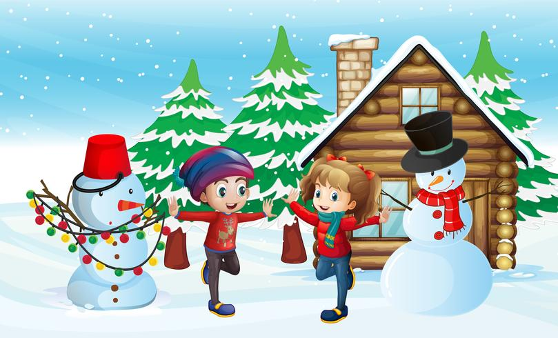 Två barn och snögubbe framför stugan