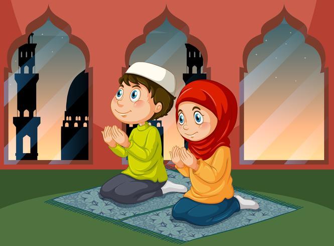 Moslemische Leute, die an der Moschee beten