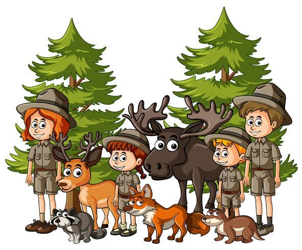 Niños en traje de safari con muchos animales.