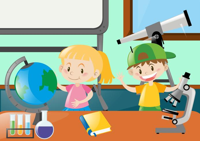 Glad studenter lär sig i klassrummet