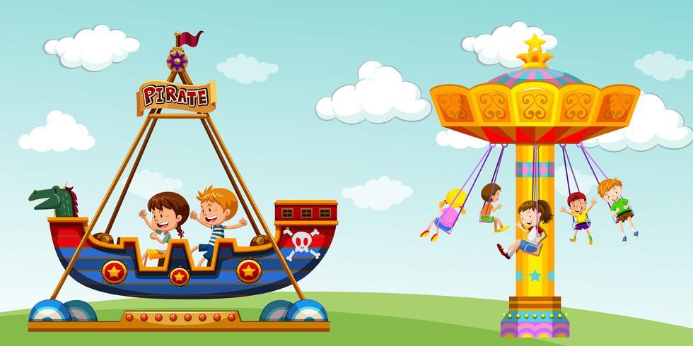 Kinderen rijden op piratenschip en schommel vector