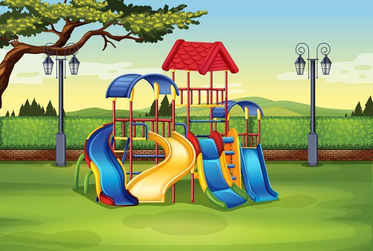 Speelhuis in het midden van het park