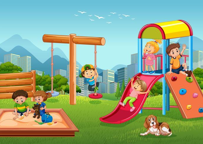 Niños jugando en el patio