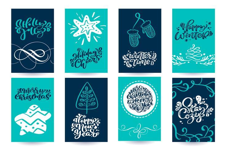 Sats med julskandinaviska gratulationskort med god julkalligrafi bokstäver textfraser. Handritad vektor illustration. Isolerade föremål