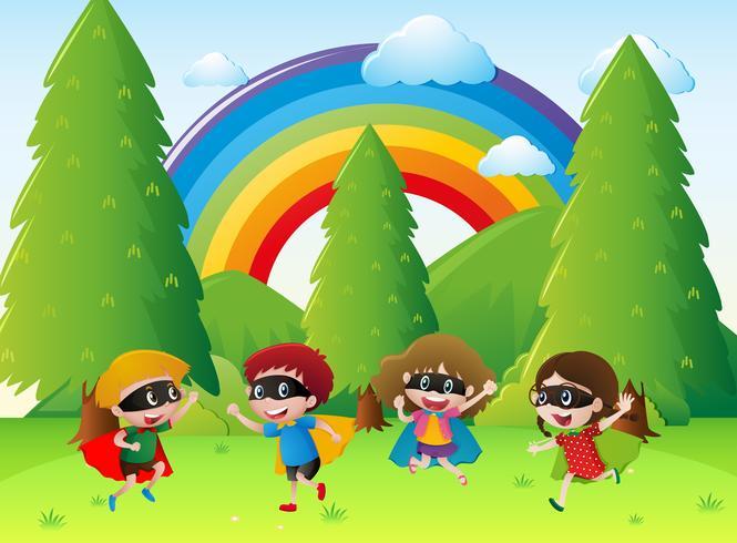 Niños jugando héroe en el parque