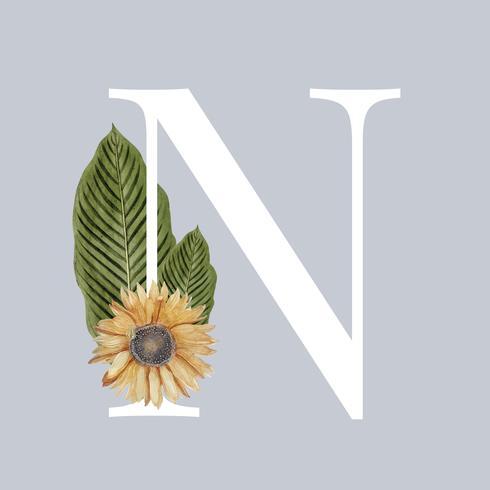 Buchstabe N mit Blüten