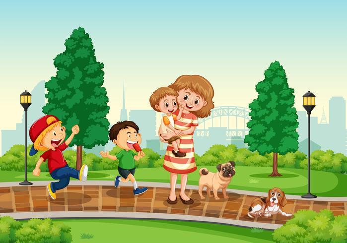 Mère et enfants au parc