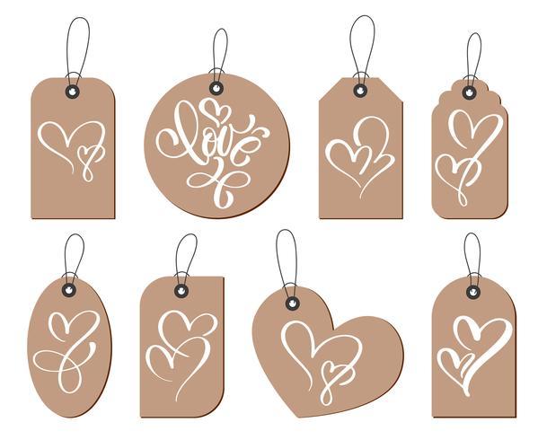 Kraft-Geschenkanhänger mit der Aufschrift Liebe und Herz zwei. Sammlung Hand gezeichneter netter Valentinsgruß-Tag, Heirat, Hochzeit, Geburtstag, Liebe, romantisches Thema
