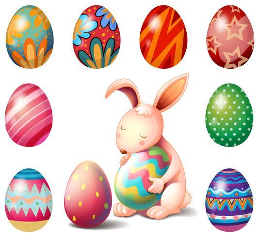 Un coniglio circondato da uova di Pasqua