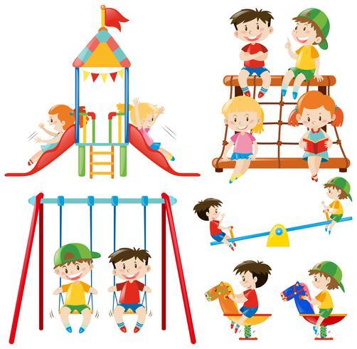 Muchos niños jugando en el patio