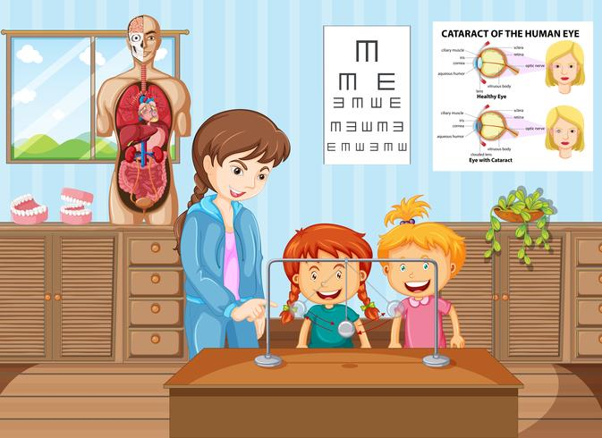 Lehrer und Schüler lernen im naturwissenschaftlichen Unterricht
