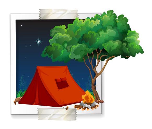 Foto van tent bij kampeerterrein wordt geschoten die