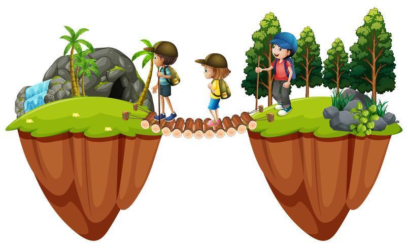 Niños caminando por el bosque