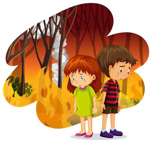 Kinderen die huilen bij Forest Wildfire Disaster