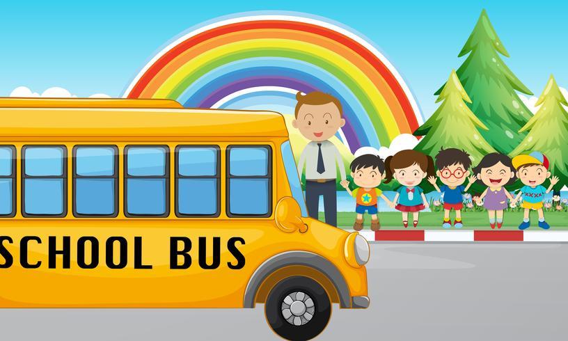 Kinderen en schoolbus op de weg