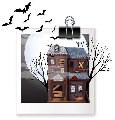 Foto av hemsökt hus på natten