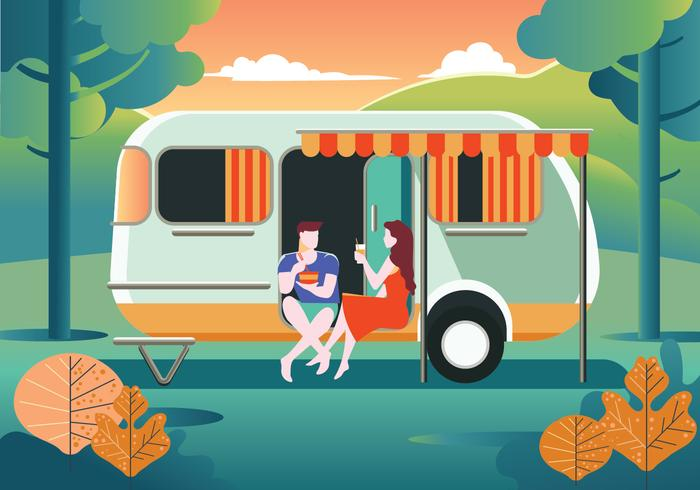 Casal feliz fica em caravana em férias de férias de verão